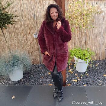 Remarqué dans la rue @curves_with_joy